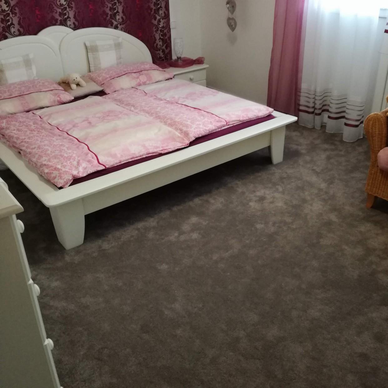 floorwise, podložky, koberce, napínání koberců, podlahy, podlaháři